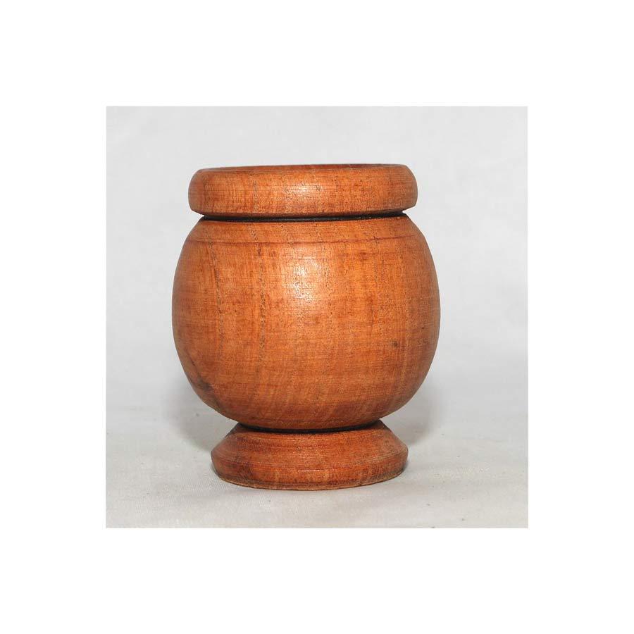 Pot à maté en bois, pour consommer la yerba mate avec la bombillas de manière traditionnelle