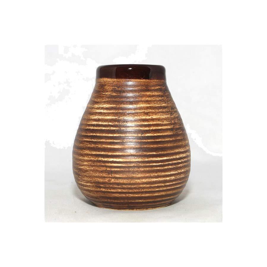 Pot à maté en céramique brun, très bel objet et entretien facilité après avoir bu son maté